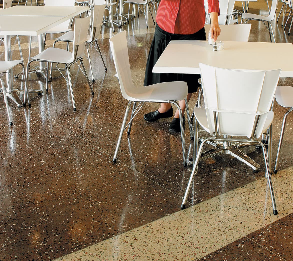 Polished concrete floor using custom pigment colours and contrasting aggregate